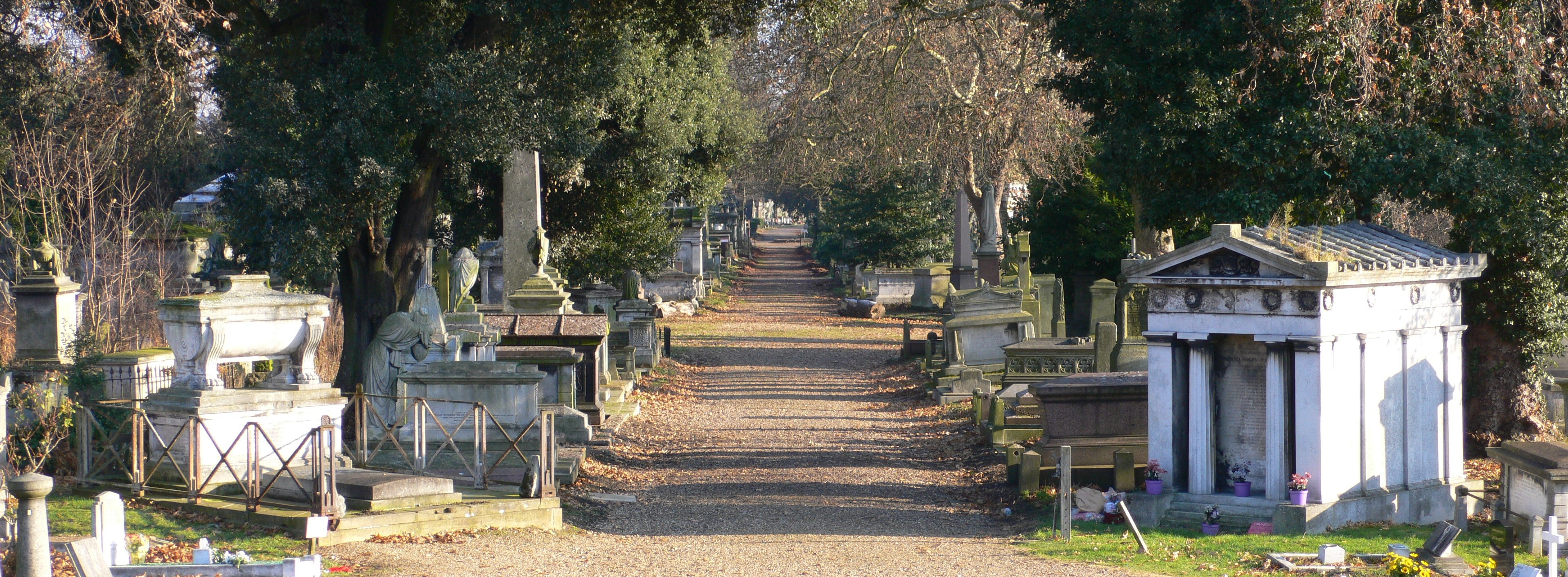 kensal_green_cemetery_view_december_2005-e1457998568893